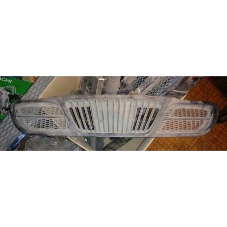 Решетка радиатора Шевроле Ланос (Chevrolet Lanos I) 96339431