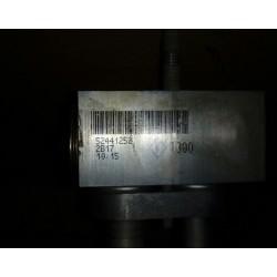 Клапан кондиционера Шевроле Авео Т 300 (Chevrolet Aveo II) 52441252