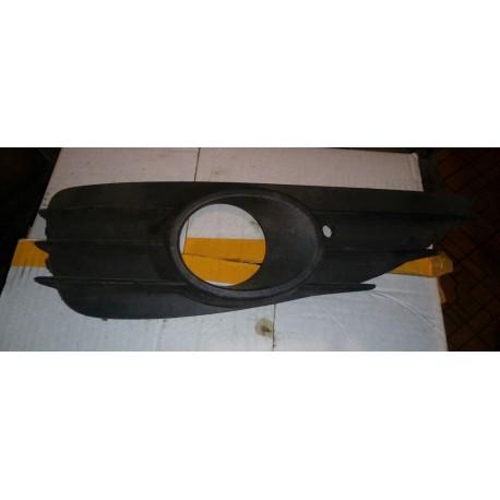 Решетка в бампер Опель Астра Н (OPEL ASTRA H) левая 13110336